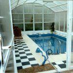 Закрытый бассейн в доме