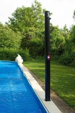 Водопад на уличном бассейне