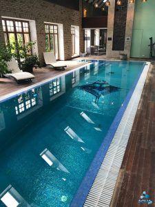 Длинный бассейн